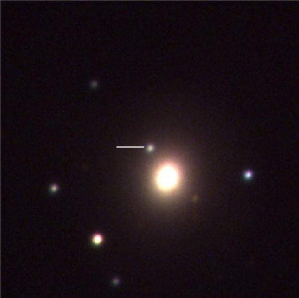 한국천문연구원이 운영하는 남아공 'KMTNet' 망원경이 촬영한 중성자별의 모습(흰색 선). - 한국천문연구원 제공